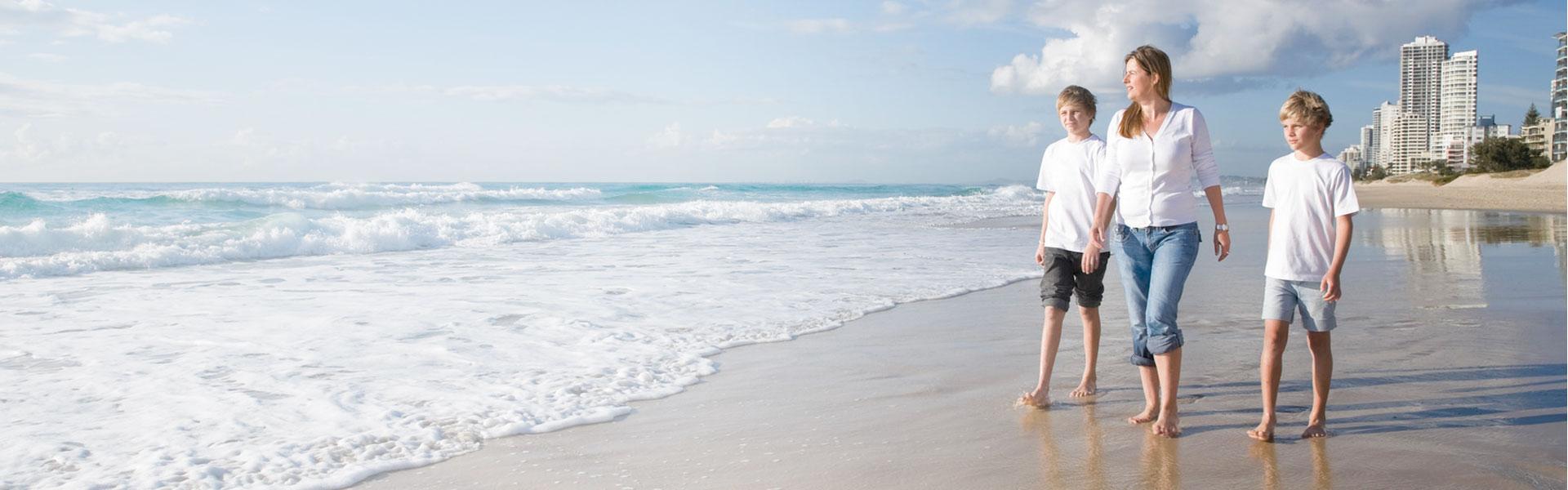 family-beach-slider